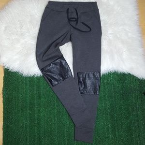 Bebop gray joggers with faux leather   Size M